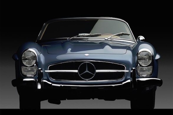 1960 mercedes benz 300 sl roadster auction twisted lifestyle for Mercedes benz lifestyle