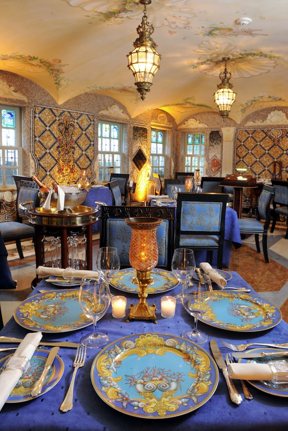 Casa casuarina versace s mansion for sale twisted for Gianni versace home
