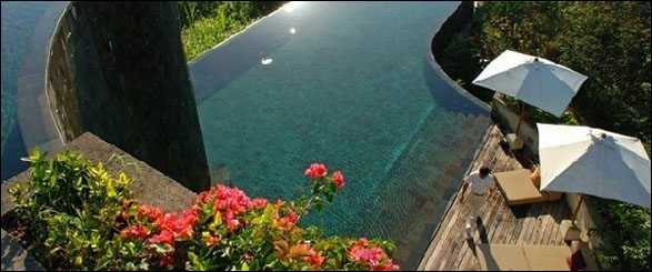the ubud hanging gardens hotel in bali which has 38 private luxury